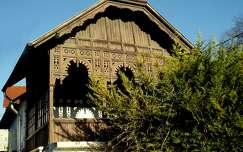Lakóház tornáca Balatonalmádi Magyarország