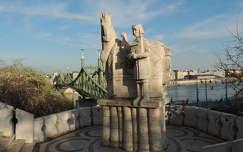 Budapest,Gellért hegyről kilátás ,Szt.István király szobrával
