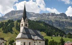 Kis templom az Olasz Alpokban