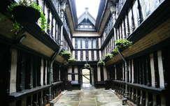 Coventry. 1509-ben �p�lt h�z.Egyes�lt Kir�lys�g