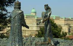 magyarország budai vár budapest szobor