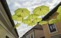 Esernyők Szentendrén