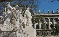 Kossuth kormány szobra a Parlament előtt,Budapest