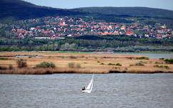vitorlázás tó vitorlás velencei-tó magyarország