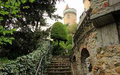 Bory-vár kertje