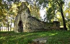 Aszófő - Kövesdi templomrom