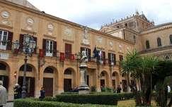 Olaszország, Szicília, Monreale -Városháza