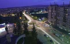 Kékóra, hosszú záridő, éjjeli város, Erdély, Sepsiszentgyörgy