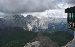 Kilatas a Dolomitok tetejerol, Olaszorszag