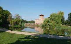 Gyulai vár és csónakázó tó