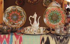 Űzbég népművészeti termékek a Mesterségek ünnepén Budapesten