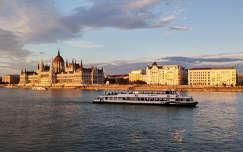 magyarország folyó budapest duna országház hajó