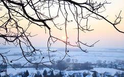 Kajárpéc, téli naplemente a falu felett