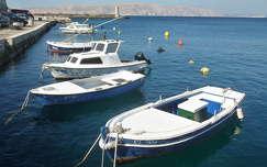 csónak senj horvátország kikötő