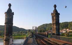 Vasúti híd az Elbán Szász-Svájcban