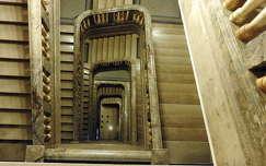 Márvány lépcső, belső tér