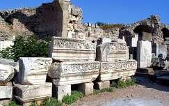Törökország, Ephesus - Domitianus-templom maradványai