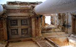 Törökország, Ephesus - Celsus-könyvtár békaperspektívából