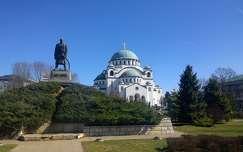 Emlékmű a Prince Karađorđu közelében Temple Szent Száva