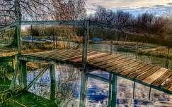 Híd a folyón...