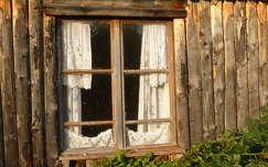 Ablak és csipke