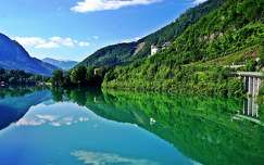 tükröződés hegy tó tavasz