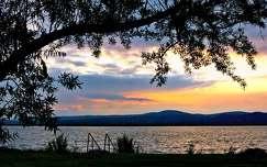 Velencei tó naplementével