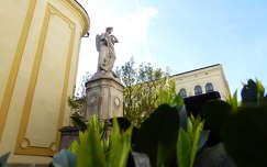 Budapest, Avilai Nagy Szent Teréz plébániatemplom