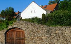 Tihany, kőfal, magyarország
