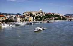 duna budapest hajó folyó magyarország