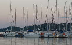 tó magyarország vitorlás kikötő balaton nyár