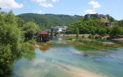 Az Una folyó Bosanska Krupa-nál, Bosznia