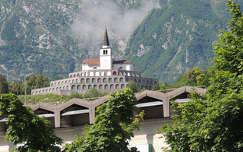 Szlovénia,I.világháborús emlékmű az Isonzó völgyében