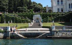 Trieszt,Miramare kastély parkja a tenger felől,Olaszország