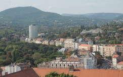 Budapest ,kilátás a Magdolna torony tetejéről a Budapest szálló felé