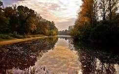 tükröződés folyó ősz