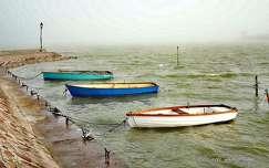 A Balaton hullámlovasai