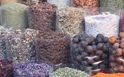 Dubai, fűszerek, piac