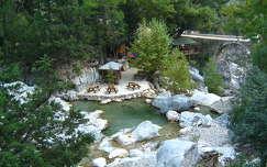 híd folyó kövek és sziklák erdő