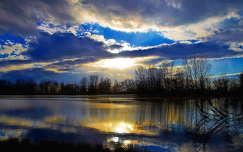 fény felhő tó