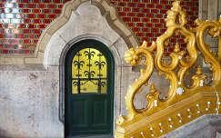 Iparművészeti Múzeum bejárati előtere (nem az az ajtó a bejárat!), Budapest