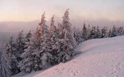 Napfelkelte a téli Alpokban