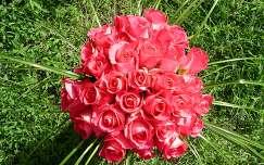 névnap és születésnap rózsa virágcsokor és dekoráció