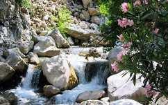 Kis folyó a Taurus hegyen, Antalya, Törökország