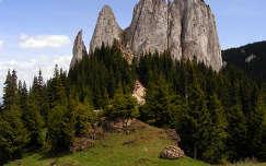 Egyeskő, Nagyhagymás, Románia