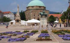 Pécs, a megújult Széchenyi tér, Gázi Kászim Pasa Dzsámija