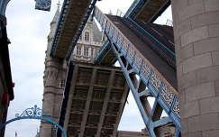 Tower Bridge felnyitása, London, Anglia