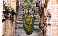 Virágos lépcső, Caltagirone, Catania búcsúkor, Olaszország