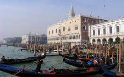 Gondolák, Dózse Palota látképe, Velence