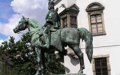 Budapest,Hadik András szobra a várban